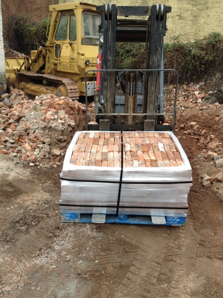 40 x 48 x 18 - Used Bricks